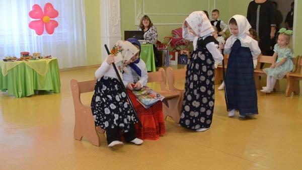 Сценка на 8 марта смешная для школьников на украинском