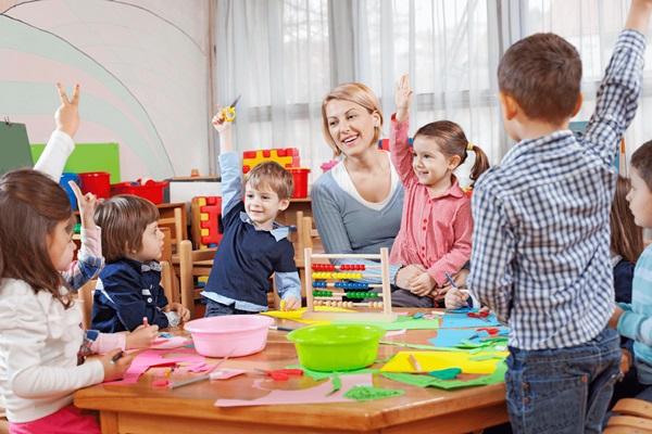 Стихи воспитателю детского сада на выпускной от родителей и детей